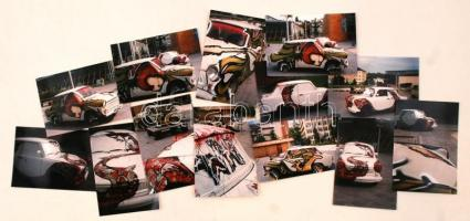cca 1990 Trabantok képzőművészeti alkotássá való átalakulása, 13 db vintage színes fotó, 9x13 cm