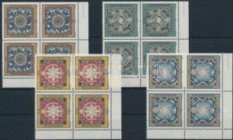 The four elements set corner blocks of 4, A négy elem sor ívsarki 4-es tömbökben