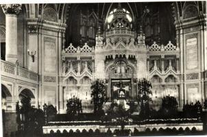 Szeged, zsinagóga belső, kiadja a Képzőművészeti Alap Kiadóvállalata