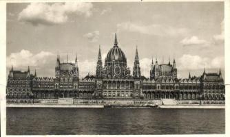 Budapest V. Parlament (b)