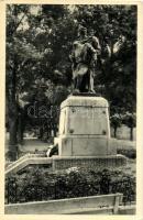 Dombóvár, Hősök szobra