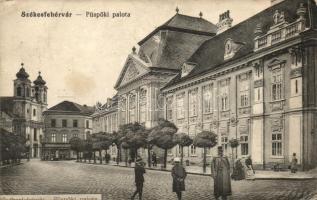 Székesfehérvár, Püspöki palota, kiadják a Braun nővérek (fa)