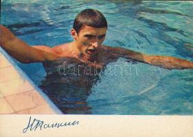 Nyikolaj Pankin szovjet úszó nyomtatott aláírása őt magát ábrázoló fotólapon