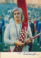 Galina Sztyepanova szovjet úszó nyomtatott aláírása őt magát ábrázoló fotólapon