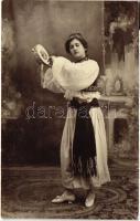 Török folklór, Turkish folklore, lady
