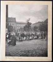 1905 Brassó, Piac tér, feliratozott vintage fotó, kasírozva, 29x23,5 cm, karton 34x29 cm / Brasov, Romania, vintage photo, 29x23,5 cm
