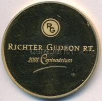 Kósa István (1953-) 2001. Richter Gedeon RT. 2001 Centenárium / Egészséges fejlődés a jövő nemzedékéért - Aszklépiosz aranyozott fém emlékérem dísztokban (42,5mm) T:PP felületi karc, ph.