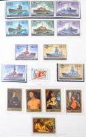 Szovjetunió gyűjtemény 1964-1991 sorokkal, blokkokkal, kevés hiánnyal, többletpáldányokkal, főleg postatiszta anyag 2 db Dawo albumban