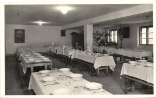 Nyergesújfalu, Szalézi Intézet, ebédlő, belső