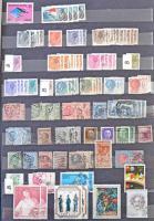 Több ezer külföldi bélyeg másodpéldányokkal 2 db nagyalakú 12 lapos berakóban rendezve