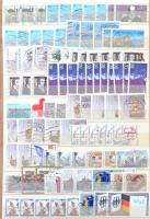 NSZK több, mint 1.600 db bélyeg, közte önálló értékek többpéldányban 8 lapos házi készítésű A4-es berakóban