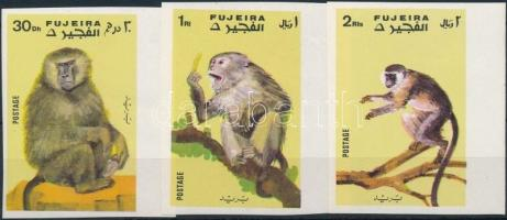Majom sor 3 vágott ívszéli értéke Monkey 3 imperf margin stamps