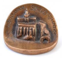 1986. A Budavári Sikló újjáépítése / Köszönet a közreműködésért - BKV Br emlékplakett (~86mm) T:2