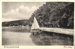 Balatonalmádi-fürdő, parti sétány, vitorlás (Rb)