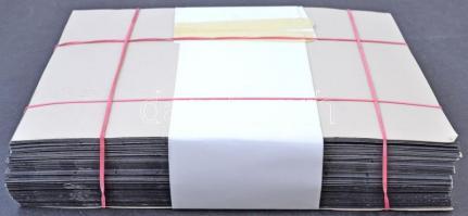 67 db fekete rendező albumlap 24 x 31,5 cm és 2 x 9 soros