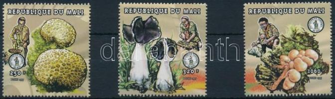 1998 Gomba sor 3 értéke Mi 2036-+2038+2045