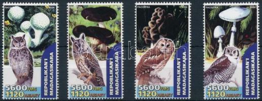 Madagaszkár 2004 Gomba, bagoly 4 klf bélyeg
