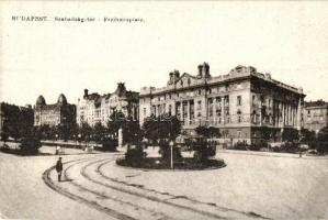 Budapest V. Szabadság tér, villamos (EK)