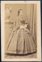 cca 1863 Takácsyné Vásárhelyi Janka vizitkártya méretű, feliratozott fotója, Auerbach aradi műterméből, 9,5x6,5 cm