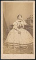 cca 1860 Miksa Ilona vizitkártya méretű, feliratozott fotója, Veress Ferenc (1832-1916) kolozsvári műterméből, 10,5x6 cm