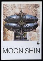 Moon Shin Retrospektiv 1940-1991. Bp., 1991, BTM. Kiadói papírkötés, magyar, angol és francia nyelven.