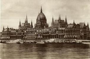 Budapest V. Országház, gőzhajók (EB)