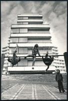 cca 1977 Dr. Perényi István feliratozott vintage fotóművészeti alkotása, 23,5x16 cm