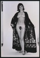 cca 1970 Kellem, küllem, báj, 4 db szolidan erotikus akt fotó, korabeli vintage negatívokról készült mai nagyítások 25x18 cm-es fotópapírra / 4 erotic photos, 25x18 cm