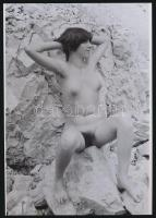 cca 1975 Kirándulós kedvünkben, 4 db szolidan erotikus akt fotó, korabeli vintage negatívokról készült mai nagyítások 25x18 cm-es fotópapírra / 4 erotic photos, 25x18 cm