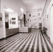 1982 Budapest, Tisza mozi belső felvételei, 7 db szabadon felhasználható vintage negatív, 6x6 cm