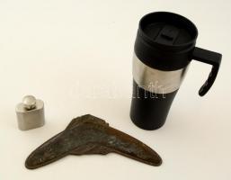 Kis bolha tétel: ausztrál motívumos feliratos réz szuvenír bumeráng, termosz, kisméretű fém flaska