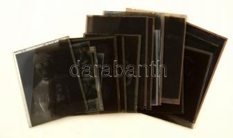 cca 1950 Kiskunfélegyháza, a Marika Fotóműterem felvételei katonákról (10 db), gyerekekről, nőkről (11 db), összesen 21 db vintage negatív a hagyatékából, 6x9 cm és 9x14 cm