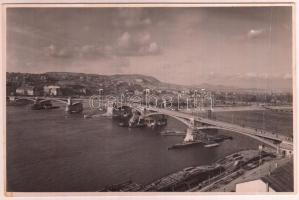 cca 1947 a Margit híd a pesti oldalról nézve, a Magyar Központi Híradó Rt. felvétele, hátulján pecséttel jelzett, 11,5×17,5 cm