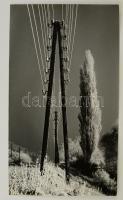 cca 1968 Medgyesi László: Tél a vasút mellett, feliratozott vintage fotóművészeti alkotás, 39x23,5 cm