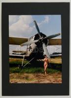 cca 1998 Menesdorfer Lajos: Madarak, feliratozott vintage fotóművészeti alkotás, 30x24 cm, karton 40x30 cm