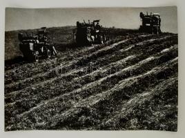 cca 1976 Gebhardt György (1910-1993): Arató brigád, feliratozott vintage fotóművészeti alkotás, 29x40 cm