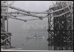 1947 Rózsa György: A Lánchíd újjáépítése, 3 db vintage negatívról készült mai nagyítás, 18x25 cm