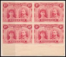 1910 V. György király 3 db klf ívszéli 4-es tömb Mi 101 A + B, 102 (betapadás / gum disturbance)