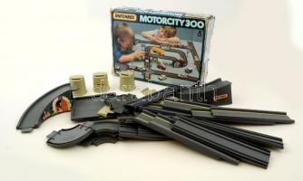 Matchbox motorcity 300, eredeti dobozában, hiánytalan, 24×34 cm