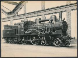 cca 1930 A Ganz gyár mozdonyának fotója, 12x17 cm