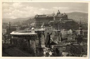 Budapest I. Gellérthegy, Szent Gellért szobor, Királyi vár (kis szakadás / small tear)