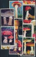 Tadzsikisztán 2002 Gomba 8 klf bélyeg