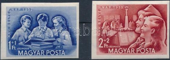 1952 Bélyegnap (25.) vágott sor (**18.000)