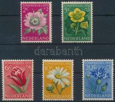 1952 Virág sor Mi 588-592 (Mi EUR 18,-)