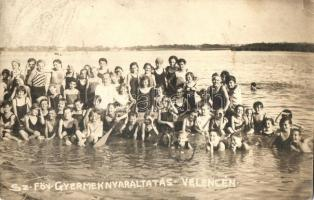 Velence, Sz. főv. gyermeknyaraltatás, csoportkép, photo (fl)