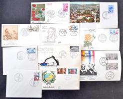 FDC-k, küldemények az egész világból, vegyes anyag hagyatékból karton dobozban