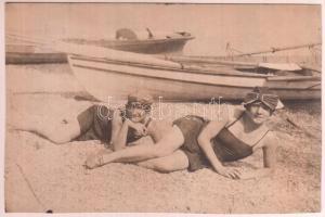 cca 1920 Balatoni strandfotó. Fotólap