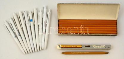 Vegyes írószer tétel(12 db csehszlovák Koh-I-Noor ceruza eredeti dobozában, 1 db csehszlovák Versatil töltőceruza eredeti dobozában. 10 db klf fehér hotel golyóstoll)