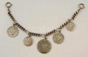 Fém karlánc pénzérmékkel díszítve, h: 20 cm