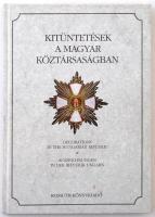 Zeidler Sándor: Kitüntetések a Magyar Köztársaságban. Budapest, Kossuth Könyvkiadó, 1995. Magyar, angol és német nyelvű kötet. Használt, de jó állapotú példány.